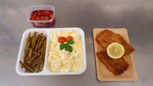 Fischfilet paniert mit hausgemachten Kartoffelsalat