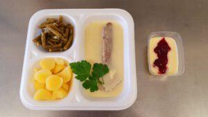 Rinderbrust mit Meerrettichsauce, Kartoffeln & Bohnensalat