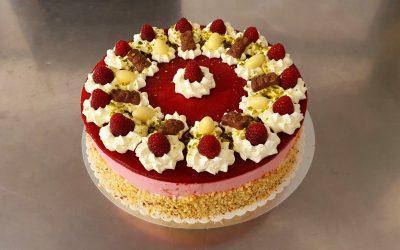 Kürbiskern-Frischkäse-Himbeer-Torte