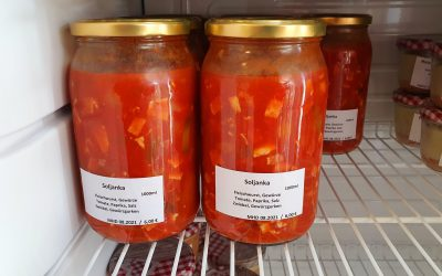 Soljanka (säuerlich-scharfe Suppe)