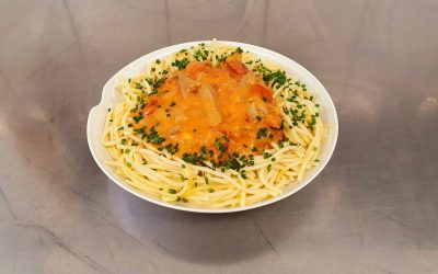 Spaghetti mit Tomaten – Sahnegeschnetzelten
